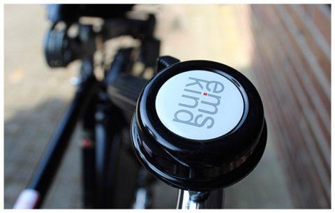 Fahrradklingel mit emskind-Logo